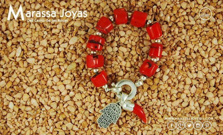 #MarassaJoyas #ProductoNuevo Pulsera Coral y Plata 900 con Cierre Especial + Dijes Plata 900 Hamsa y Coral ► $1990