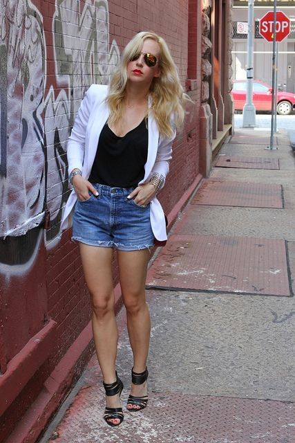 Brooklyn Blonde. white blazer, cutoffs, strappy heels. Add red!Img0410, Nyc Style, White Blazers Denim Shorts, Brooklyn Fashion Style, Miami Vice, Chic Style, Brooklyn Blondes, Brooklynblonde, Photos Shared