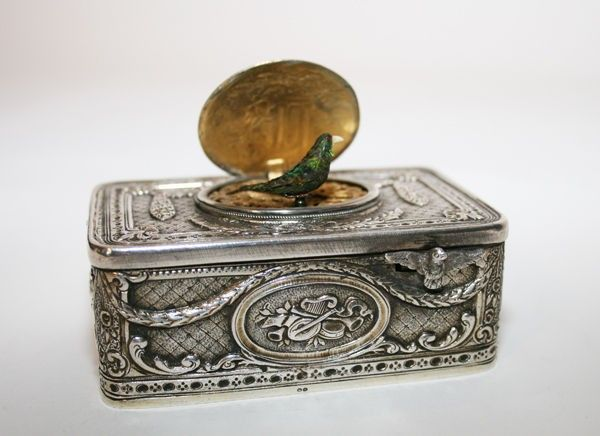 SILVER ANTIQUE SINGING BIRD BOX MUSIC BOX AUTOMATON TABATIERE