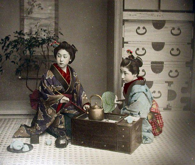 Late-1800s-21-火鉢.jpg