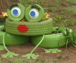 Creative Ideas - DIY Lovely Frog Garden Decor from Old Tires
