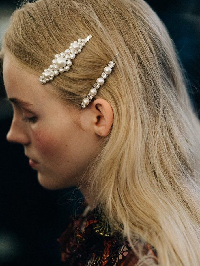 Hair Clip Styles For Fancy Girls | Bijoux cheveux, Épingle à