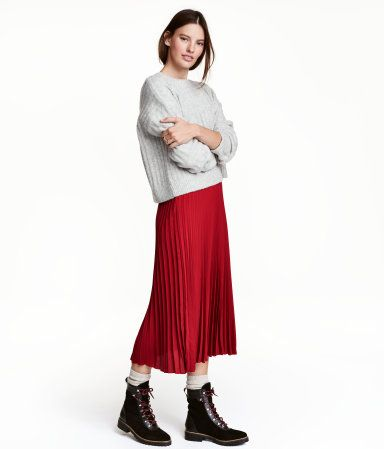 Dark red. Pleated, calf-length skirt in woven fabric with a concealed side zip. Overlocked edge at hem.