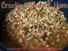 Crockpot Field Peas & Ham - Easy recipe for cooking fresh or frozen peas and ham in the crockpot. Delicious soul food - Southern food.