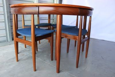 Finn Juhl table with chairs