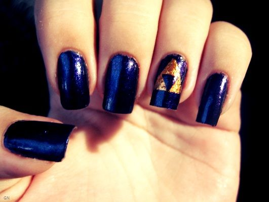 78 best gamer nail art images on pinterest make up nailart and zelda triforce this girl does gamer nails like a champ prinsesfo Images