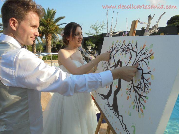 Árbol de huellas para bodas, personalizado. #arboldehuellas #boda