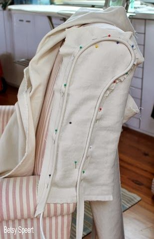 Cosim per casa... ---Betsy Speert's Blog: How To Sew a Chair Slipcover...sort of....