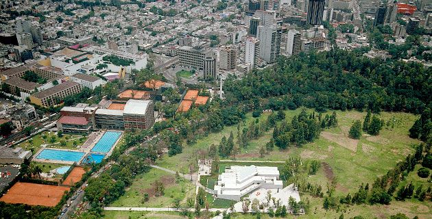 Vista aérea del Museo Rufino Tamayo en Chapultepec. / Rafael Doniz