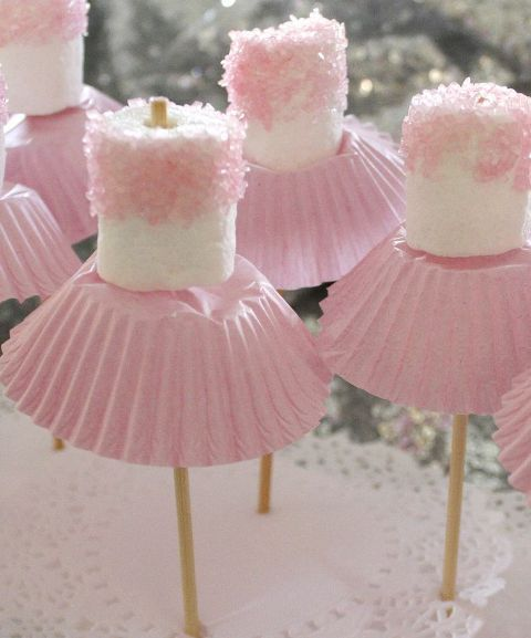 How cute are these MARSHMALLOW BALLERINAS