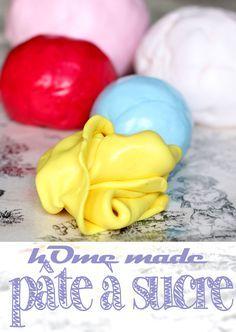 Faire sa pâte à sucre soi-même c'est super simple, c'est délicieux et en plus c'est bien plus économique!! Voilà ma recette de pâte à sucre aux chamallows maison, super souple donc idéale pour recouvrir un gâteau : http://www.sibo-sibon.com/blog/recette-pate-a-sucre-maison  #fondant #pateasucre #recettepateasucre
