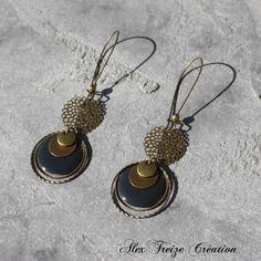 Bijou créateur - boucles d'oreilles dormeuses bronze antique intercalaires estampes breloques sequins émaillés gris anthracite