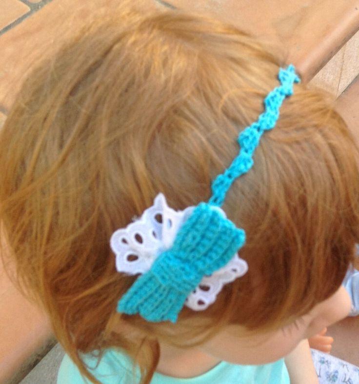 Cerchietto per capelli all'uncinetto con papillon turchese : Bijoux bambini di la-libe