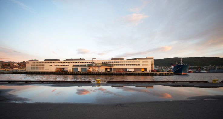 HURTIGRUTETERMINALEN- in Bergen