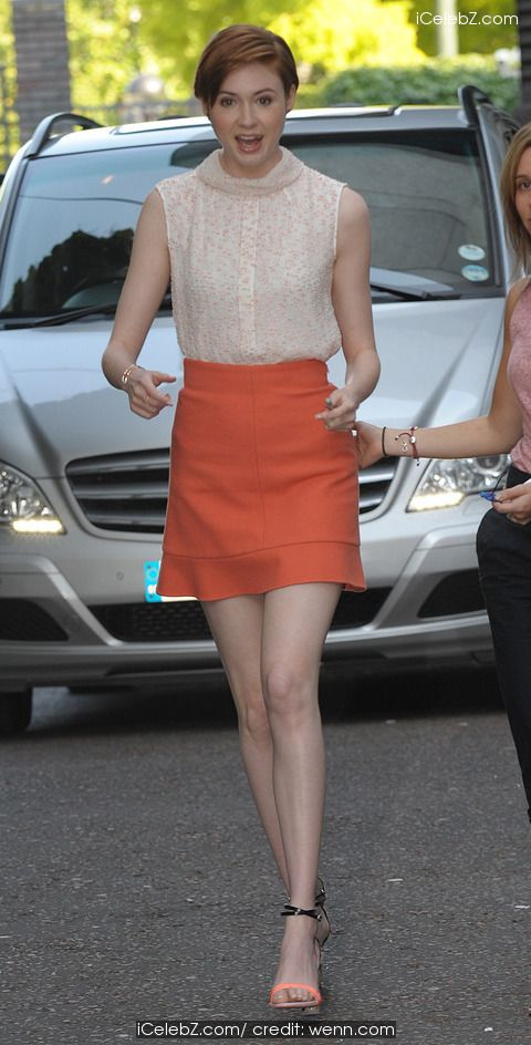 Karen Gillan  Leaving the ITV Studios http://icelebz.com/events/karen_gillan_leaving_the_itv_studios/photo1.html