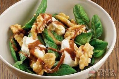 Receita de Espinafre com nozes e queijo fresco com vinagrete em receitas de legumes e verduras, veja essa e outras receitas aqui!
