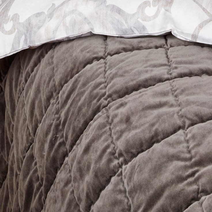 Westin sengeteppe grå - Sengetepper - Sengen - Hansen & Dysvik