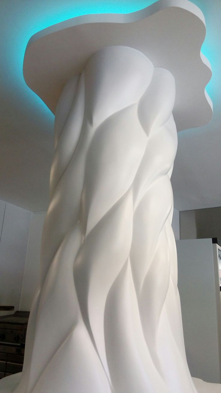 columna de resina de poliéster, diseñada y fabricada por nuestra empresa, iluminación Les interior.