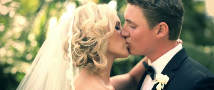 The way this was filmed and the song choice :) (KELLY + TOM: Same Day Edit Wedding Video)
