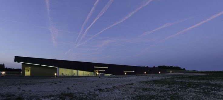 Vue de nuit du musée de l'Oise