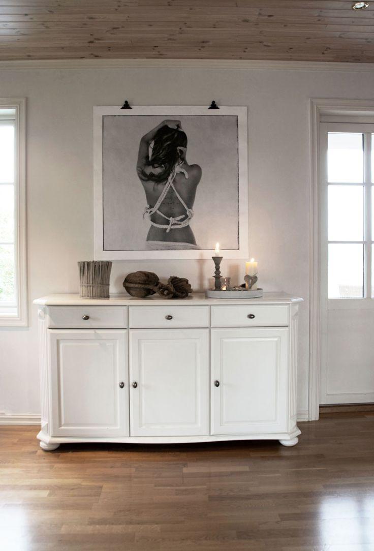 White livingroom Lovewarriors