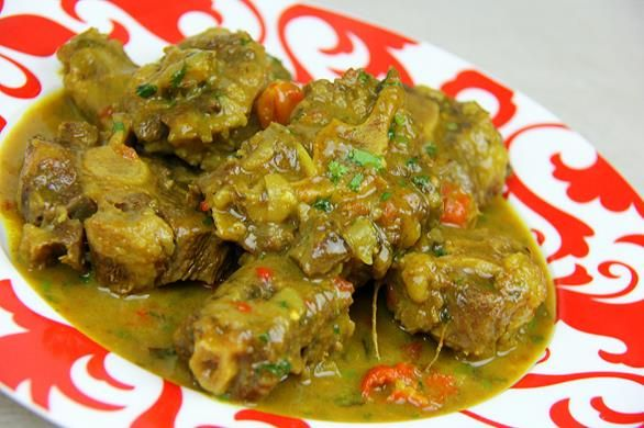 Coconut Curry Oxtails In The Oven (or slow cooker). http://caribbeanpot.com/coconut-curry-oxtails-in-the-oven-or-slow-cooker/