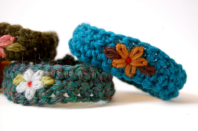 Crochet Kernel Stitch : Crocheted wristbands...though I think I would make mine a little ...