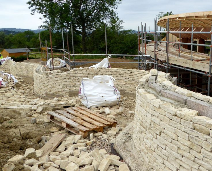 HEADLANDS (Para 55). The stonemasons are doing a brilliant job with the dry stone serpentine retaining walls.