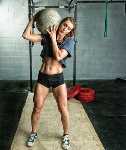 These amazing women will get you inspired to try CrossFit. Get motivated to be strong, fit and build muscle like these  CrossFit athletes. Get the built body you want by doing  CrossFit.