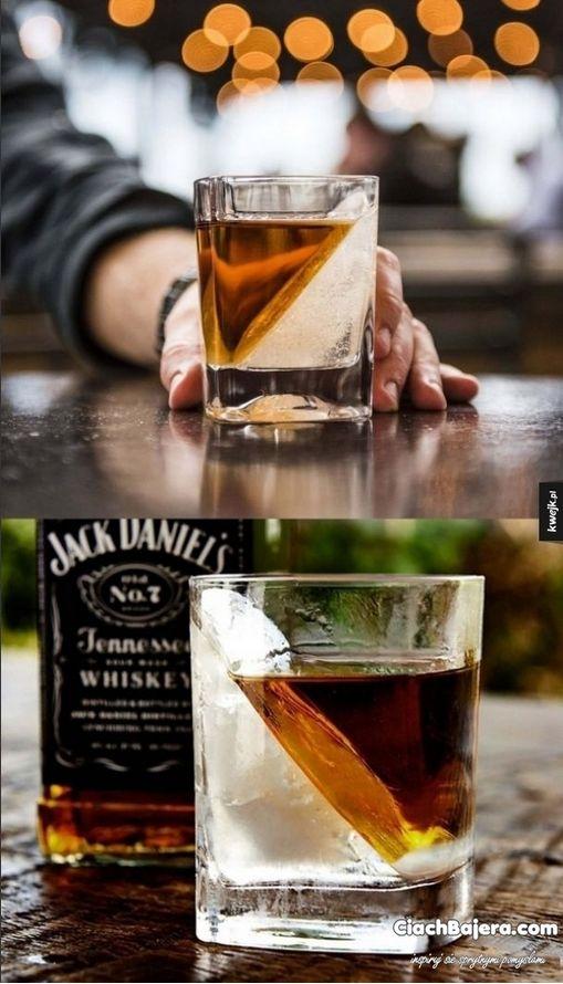Ne servez plus le Jack Daniel de façon aussi banale...Servez-le, comme un pro! - Trucs et Astuces - Des trucs et des astuces pour améliorer votre vie de tous les jours - Trucs et Bricolages - Fallait y penser !