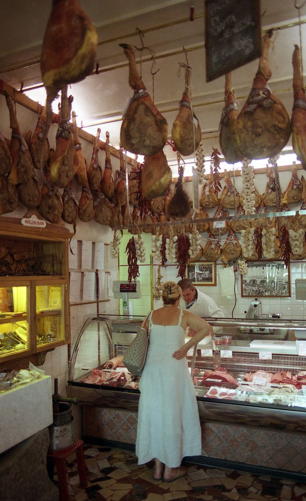 Tuscany : Butchers in Greve in Chianti #yummy #italianfood #therealdeal
