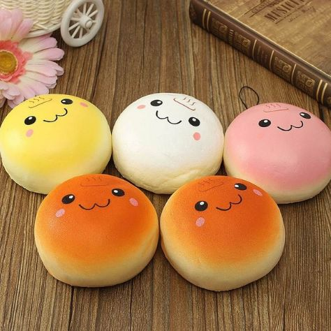 Harajuku kawaii bread phone charm. It's squishy! Material: PU foam; Colors are random