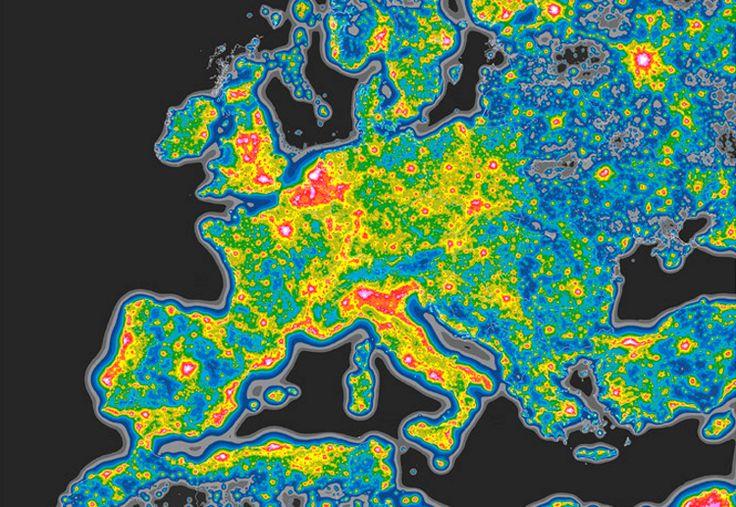 Ver las estrellas se ha convertido en un ejercicio de ficción para miles de millones de personas. Descubre en este mapa dónde puedes ver un cielo inmaculado