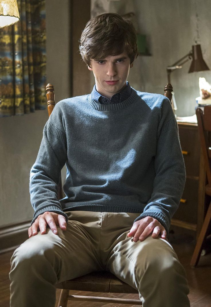 "Postmortem: Bates Motel Boss on ""Giving Birth to the Norman Bates We Know"""
