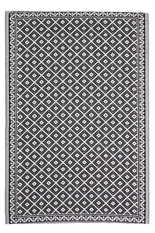 Vævet tæppe der kan anvendes udendørs på  f.eks. altan eller terrasse. Robust, vandafvisende kvalitet. Str. 150x200 cm. <br><br>100% polypropylen<br>Aftørres med en fugtig klud