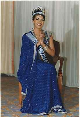 "London ""Miss World"" 2000 Priyanka Chopra"