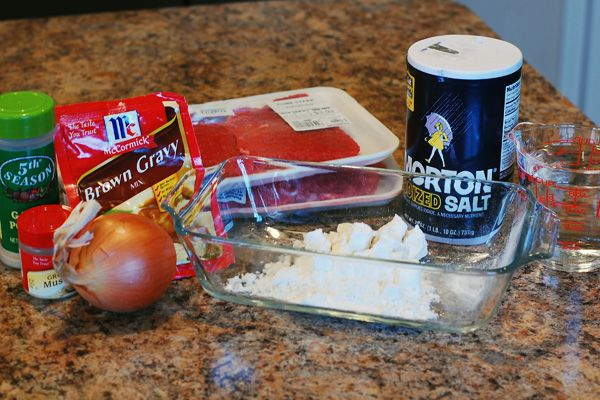 Cube Steaks and Gravy in the Slow Cooker - Eat at Home