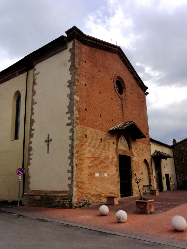 Outside the Church - Photo by Bianca Corti