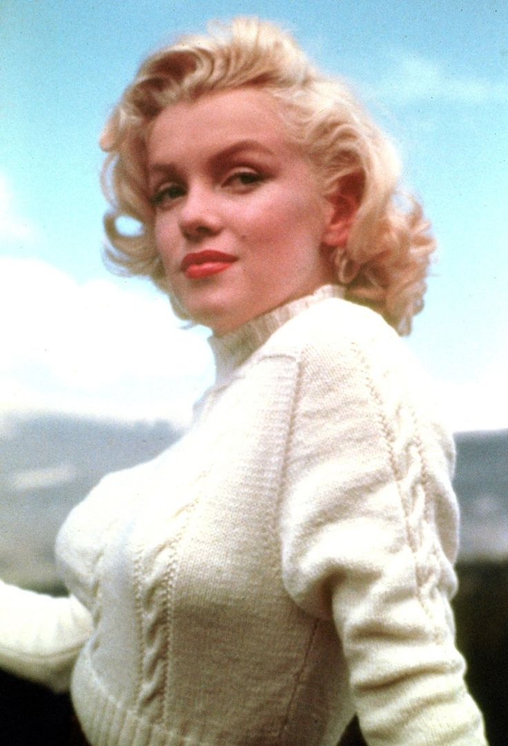 """Astonishingly beautiful Marilyn Monroe in 1953. Marilyn was in Canada for the filming of """"River of No Return."""""""