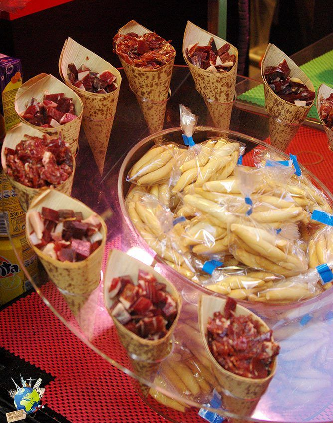 Au plus grand plaisir de nos papilles, l'apéritif est une véritable institution en Espagne, les tapas font partie intégrante de sa culture. Tapas Barcelone