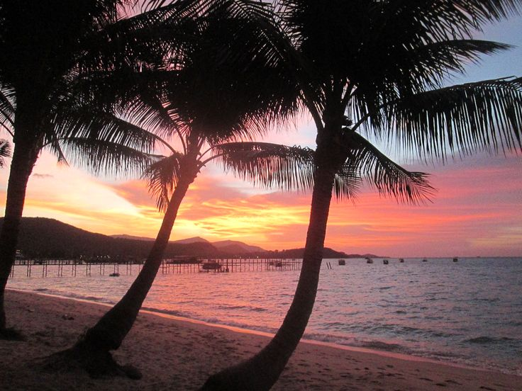 A beautiful sunset on Koh Samui. #AwesomeHolidaysatPrana @prAna Beach Villas
