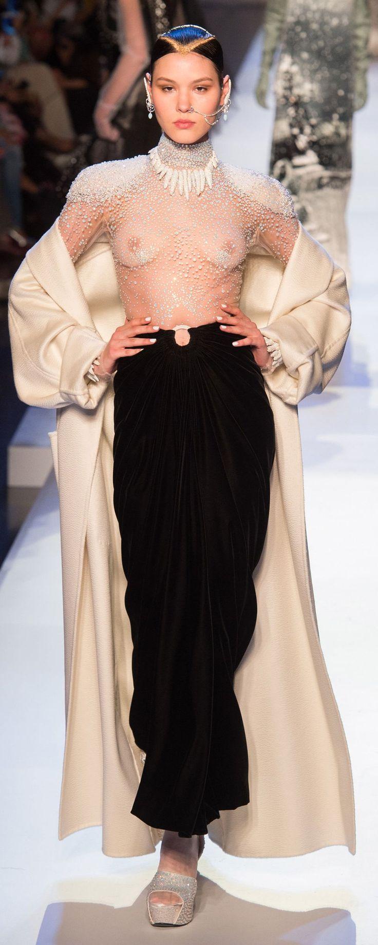 Jean Paul Gaultier Fall-winter 2017-2018 - Couture - http://www.orientpalms.com/Jean-Paul-Gaultier-6840 - ©ImaxTree