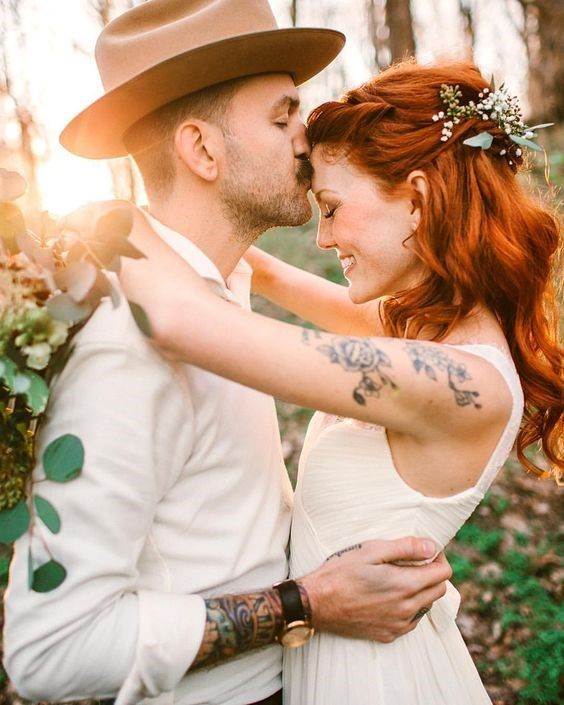 This bride embraced her red hair and freckles and looked utterly radiant. Photo | Shannon Lee Miller