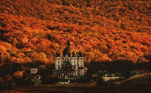 Frumoasa Mănăstire Churchi!  Foto: Maxim Chumash