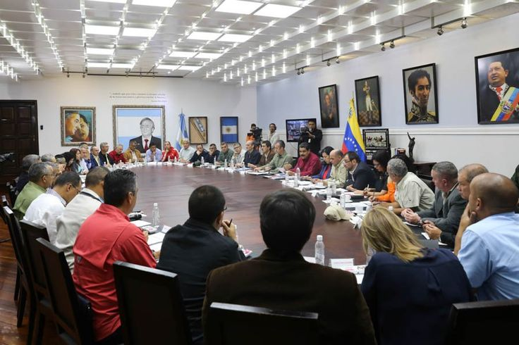 Presidente @NicolasMaduro dirige Consejo de Ministros en el Palacio de Miraflores #Caracas #Venezuela Ojo Pelao (@OJOPELAO)   Twitter