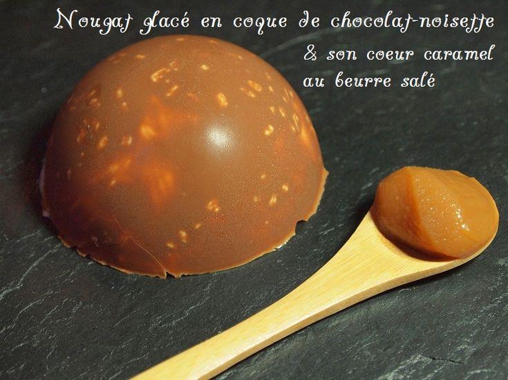 Nougat glacé en coque de chocolat-noisette et son coeur caramel beurre salé