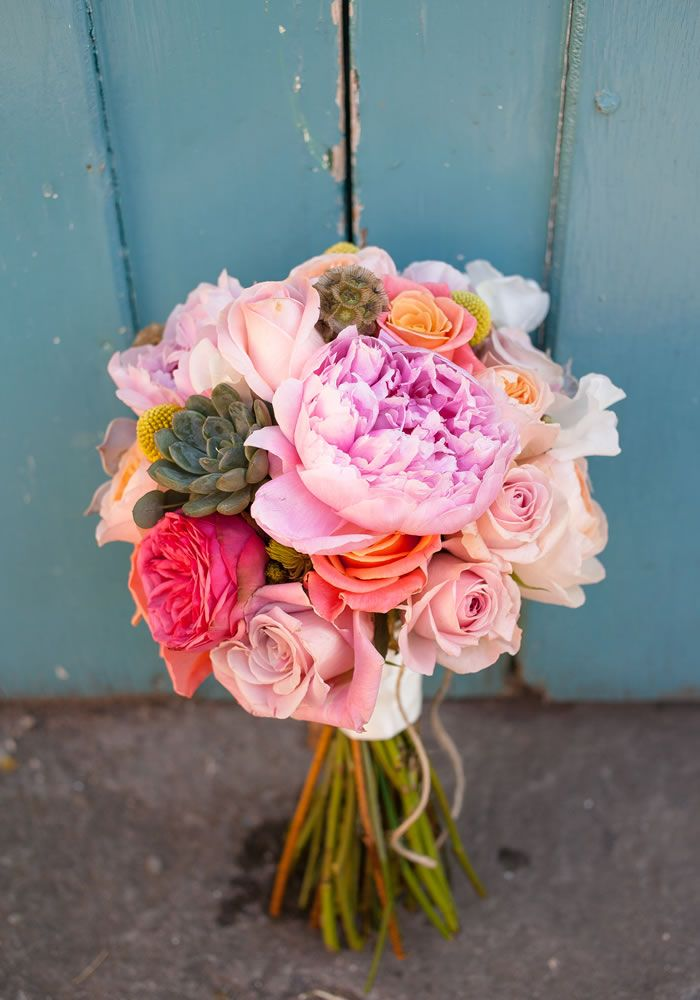 When you get married, you don't only have to choose the flowers, you also need to choose the right florist to bring your vision to life. Here's how...