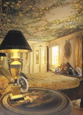 http://tdclassicist.blogspot.com/2012/08/versaces-casa-casuarina.html