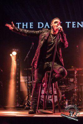 Klassik ist geil! The Dark Tenor ist seit Anfang November live auf Tour. Sein Konzert in der Christuskirche Bochum war die dritte Station seiner insgesamt sechs Konzerte der Nightfall Symphony Laut & Akustisch-Tour 2017. Foto: David Hennen. Weitere Bilder entdeckt ihr auf der Website :)