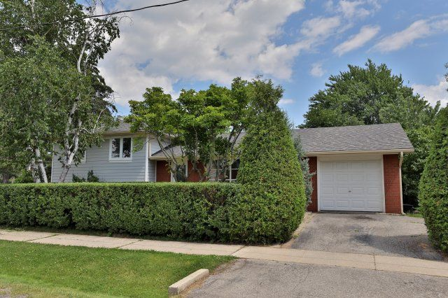 2134 Samway Road, Oakville | Property Listed with Karen Paul & Associates